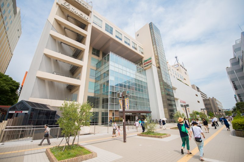 「新百合ヶ丘エルミロード」など大規模ショッピング施設の誕生でショッピングタウンに