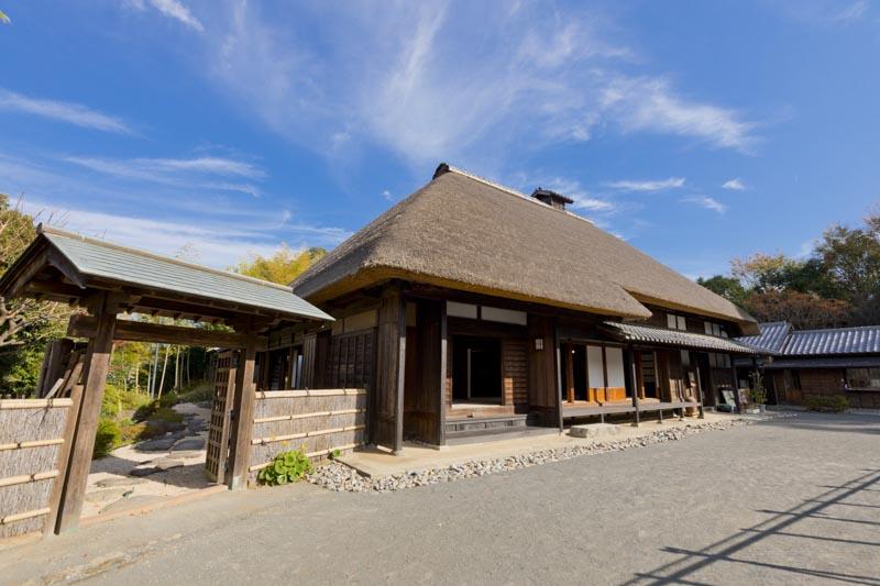 「本郷ふじやま公園」の日本家屋