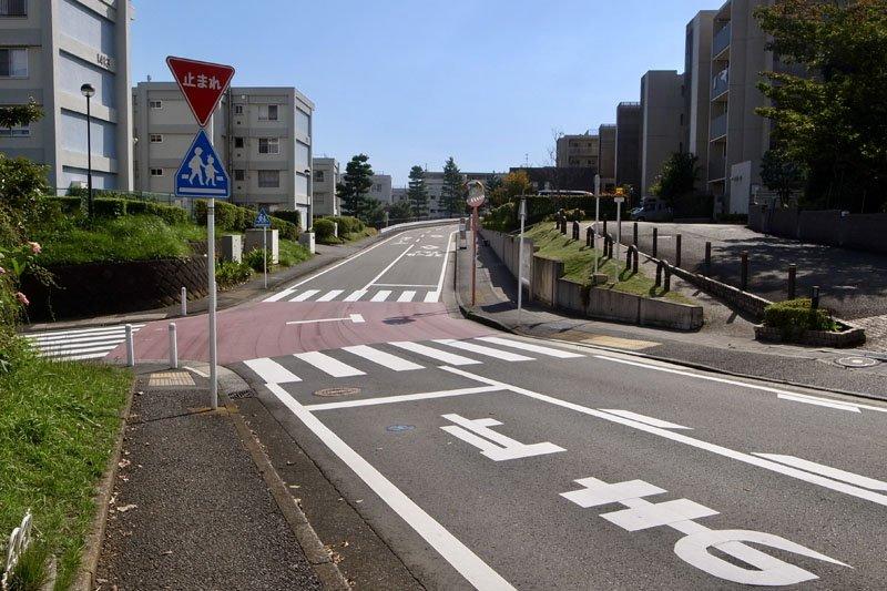「久良岐公園前」バス停への道のり
