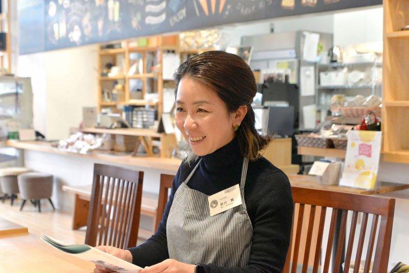 「新川崎タウンカフェ」マネージャーの岩川さん